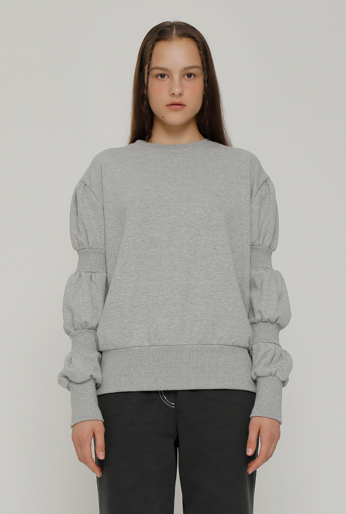 R SLEEVE SHIRRING SWEATSHIRT_GREY